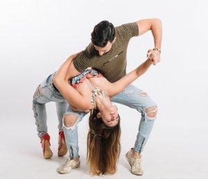 Zumba to połączenie tańca i aerobiku