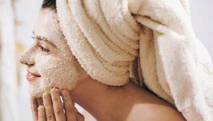 Peeling twarzy dla gładkiej skóry