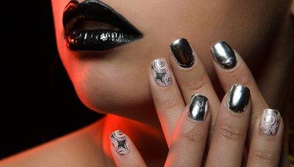 Trendy w manicure i wzory paznokci na wiosnę/lato 2021