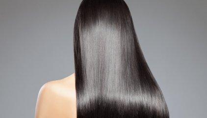 Włosy proste i kręcone – pielęgnacja i ich potrzeby